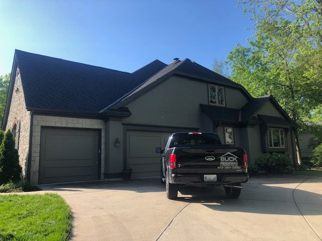KC residential roofing company - Buck Roofing Kansas and Missouri - Certainteed Landmark AR - Shadow Gray