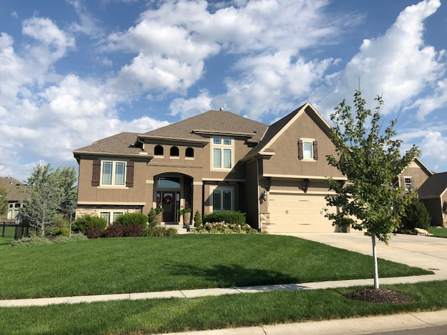 KC residential roofing company - Buck Roofing Kansas and Missouri - Tamko Premium - Weathered Wood