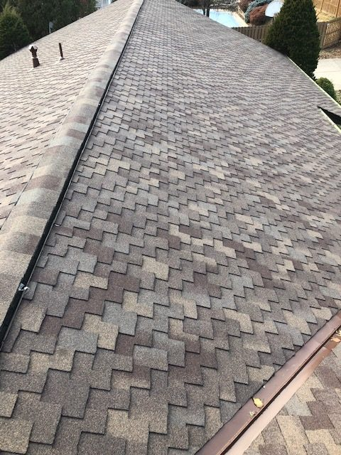 KC residential roofing company - Buck Roofing KCMO and KCKS - CertainTeed Presidential AR - Ridgevent - Ridge Caps - Autumn Blend