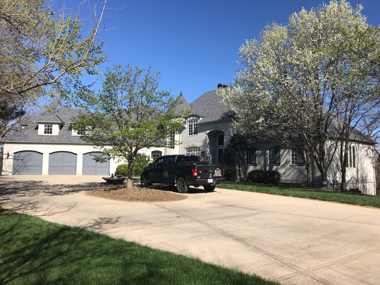 KC residential roofing company - Buck Roofing Kansas and Missouri - Certainteed Landmark Pro - Max Def Pewter