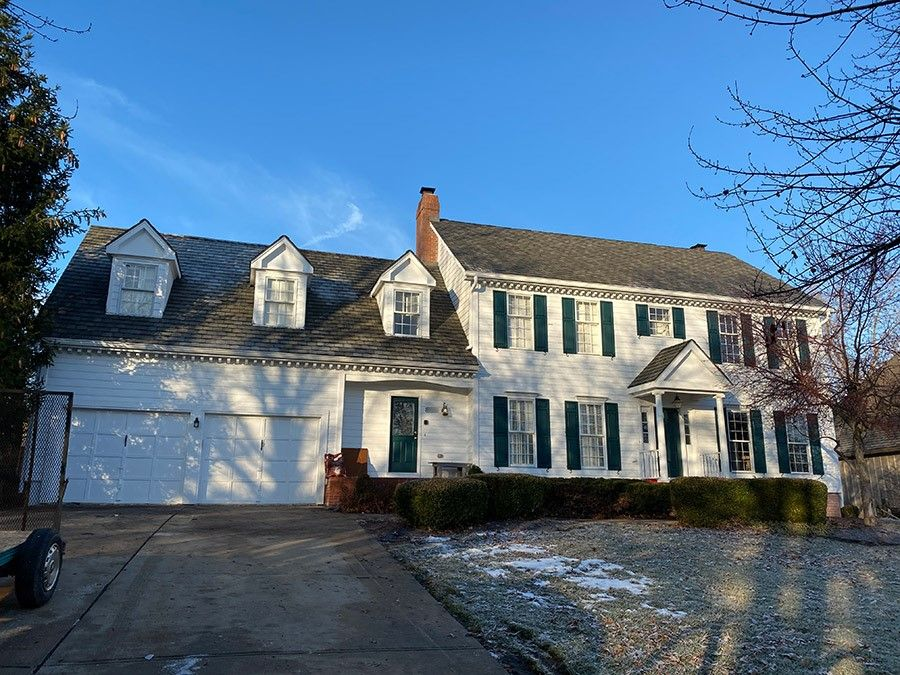 Buck Roofing provided residential roof installation on this house in Kansas City