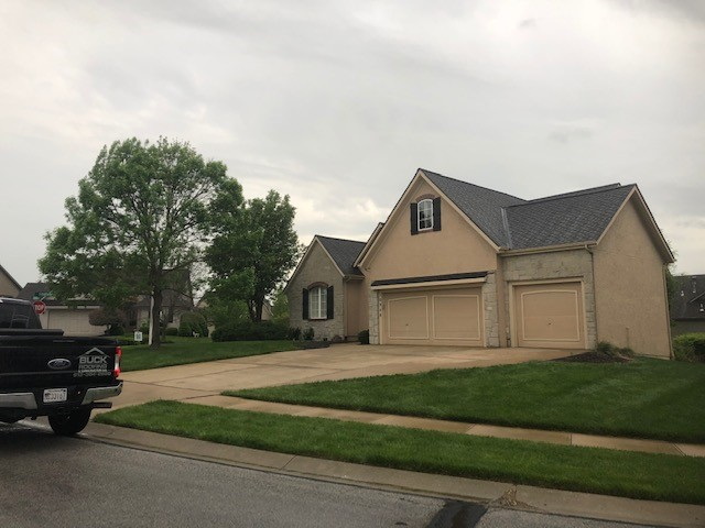 Buck Roofing - Residential Roofing - Kansas and Missouri - Certainteed Presidential Shake IR - Shadow Gray